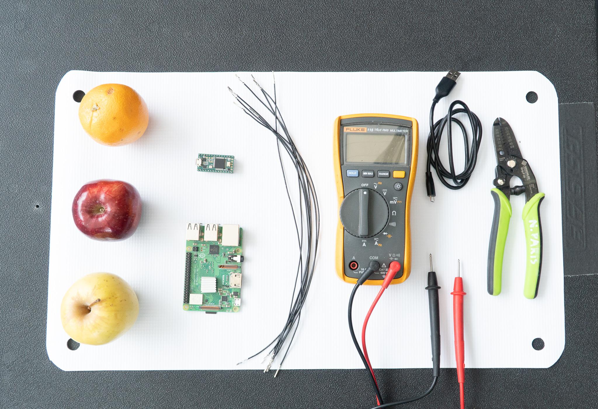 """世界初?果物が楽器に!? Magenta(Googleの音楽ディープラーニングライブラリー)で作る果物楽器""""Fruit Genie"""""""